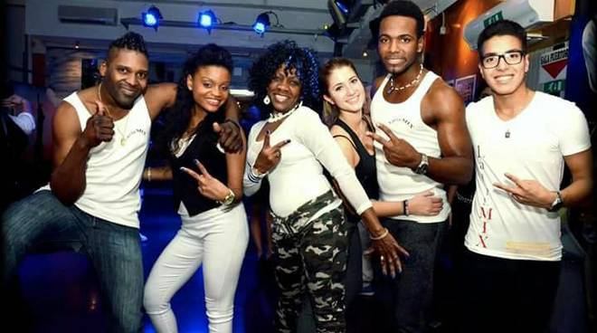 Latin Dance Party e Festa Latina al Caribe Club