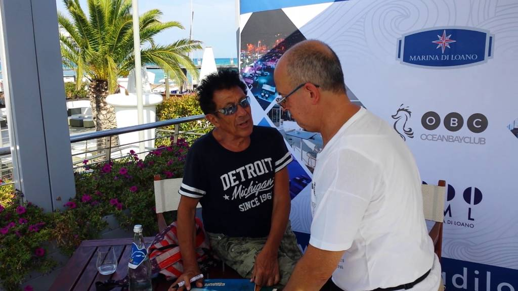 Edoardo Bennato incontra i suoi fan all'Ocean Bay Club