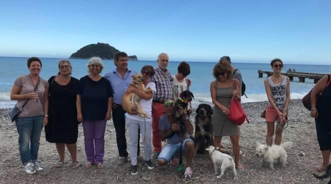 spiaggia cani vadino amare fido