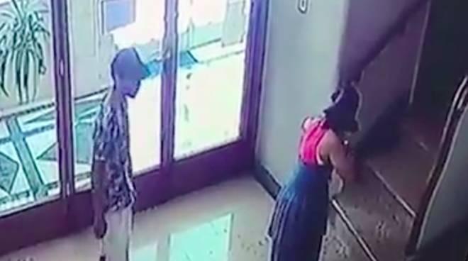 video arresto polizia alessandra bucci