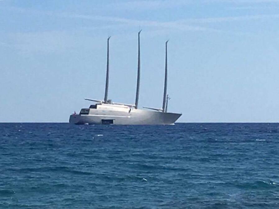 yacht veliero A