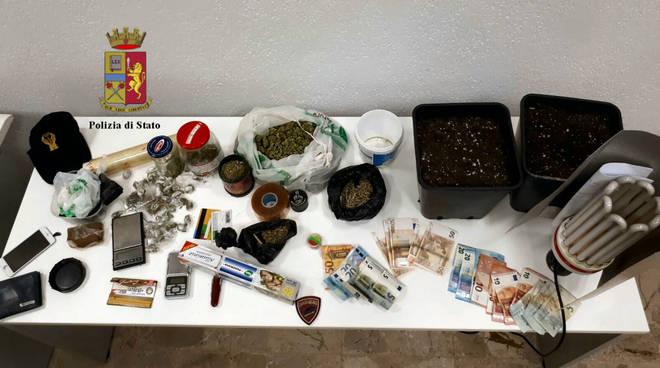 hashish marijuana barattoli