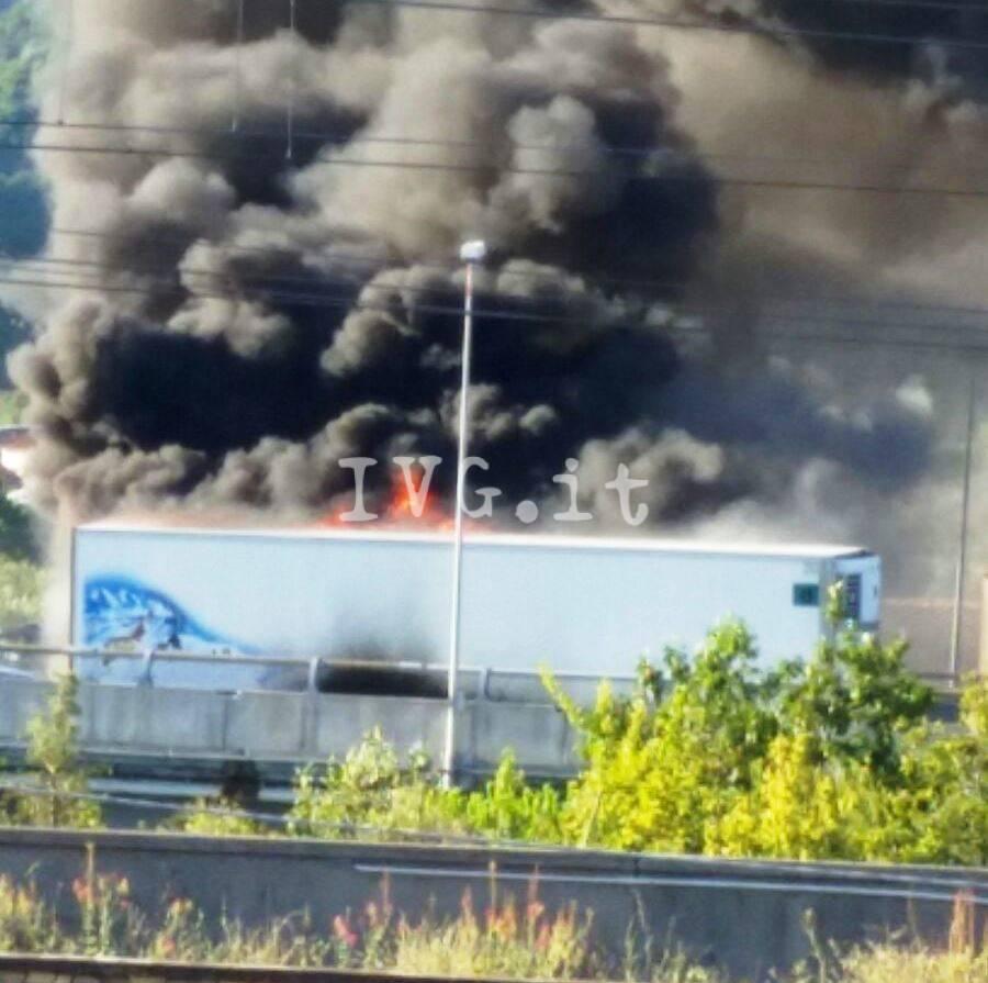 incendio camion A10
