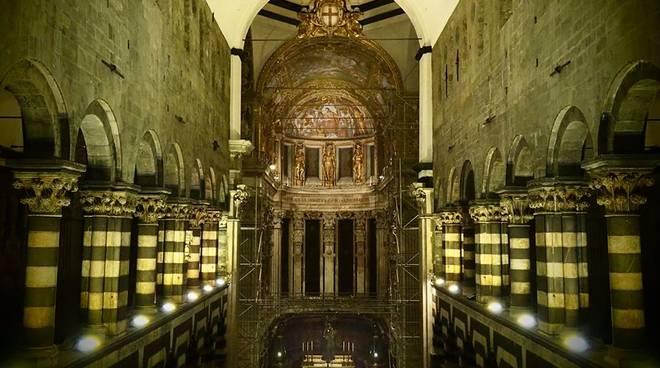 interno cattedrale san lorenzo