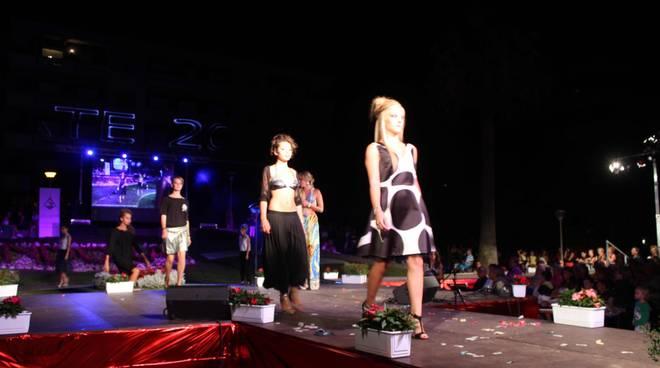 Profumo d'estate sfilata di moda Andora