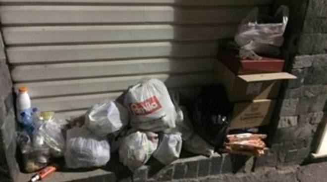 Ceriale in estate il porta a porta non funziona - Porta spazzatura differenziata ...
