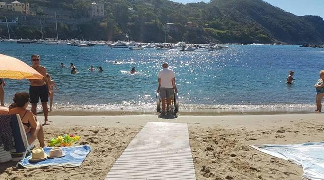 Matrimonio Spiaggia Sestri Levante : Sestri levante una nuova spiaggia carrozzina friendly ed