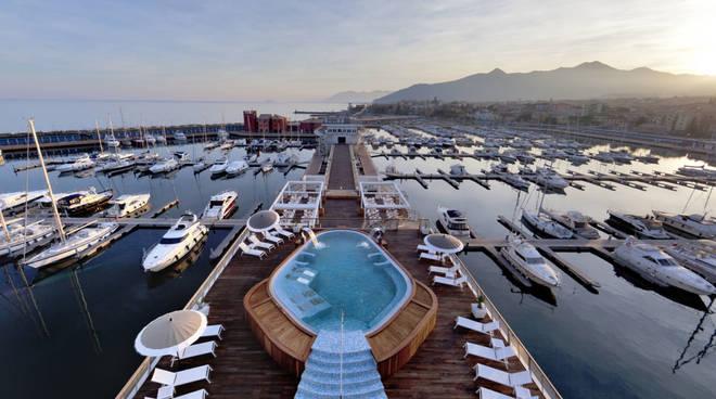 Piscina Yacht Club Marina di Loano