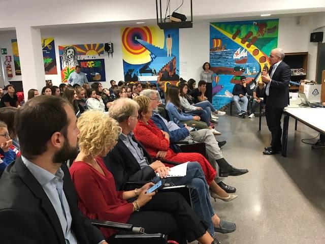Albenga, la gigantografia di Falcone e Borsellino donata alle scuole