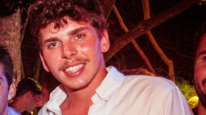 Scontro auto moto, muore a 20 anni il figlio di un imprenditore