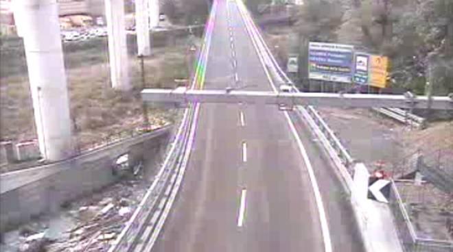 Incidenti in autostrada, chiusi tratti di A10 e A7