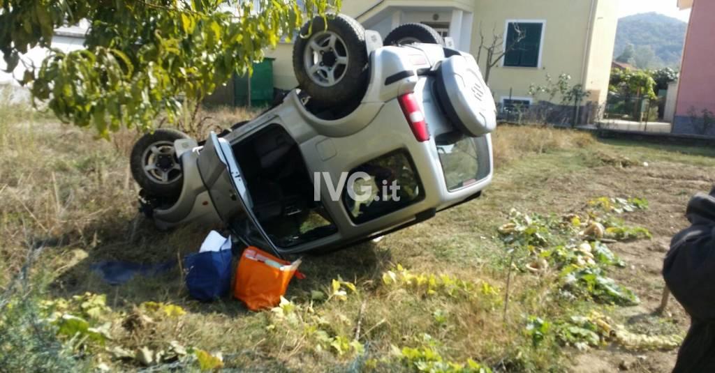 Incidente stradale per don Massimo Inglina