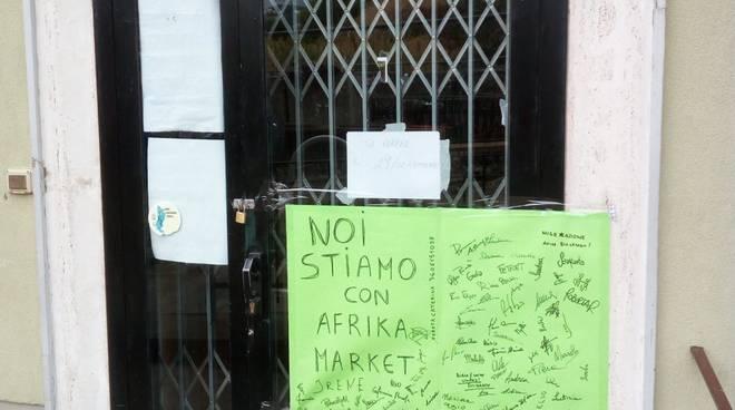 Savona Africa Market cartellone di solidarietà