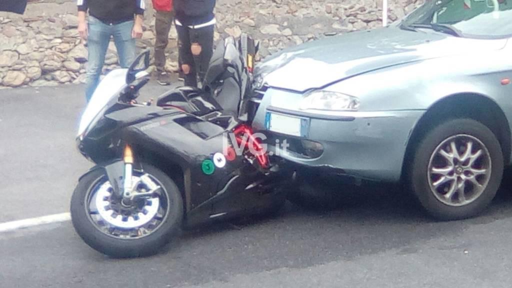 Tamponamento in viale Enrico Toti a Loano