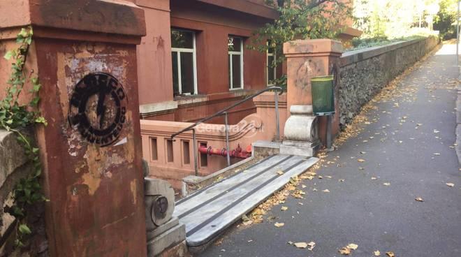 Blocco studentesco, scritte e intimidazioni al collettivo del Deledda