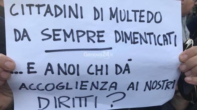Genova, identificata autrice cartello di minacce a don Martino