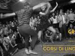 Da stasera alle Officine Solimano i corsi di lindy hop dell\'associazione Groove Walk