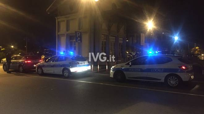 polizia locale municipale savona piazza del popolo pesa notte vigili