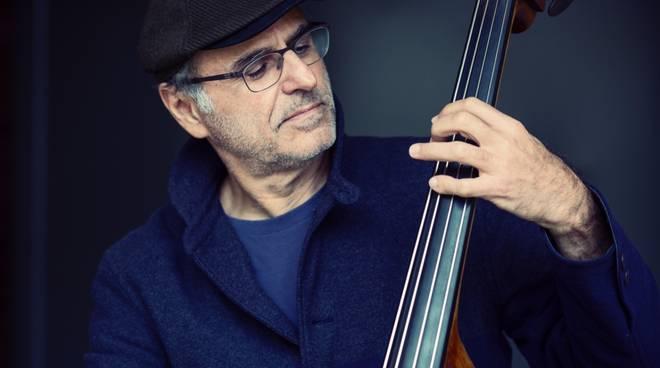 Michel Benita bassista