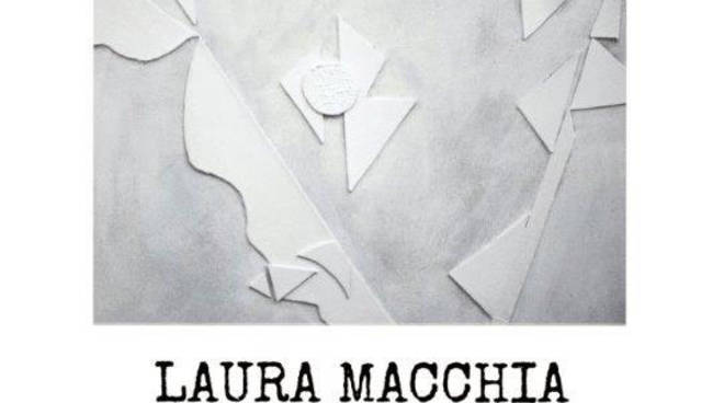 Mostra personale di Laura Macchia