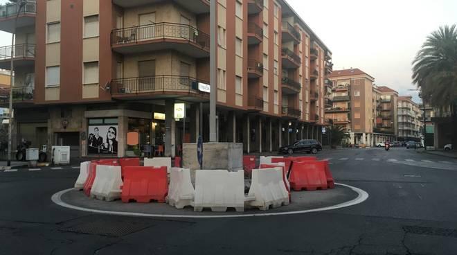 Rotonda Albenga via Papa Giovanni via Veneto