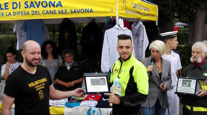 """Un """"Weekend da cani"""" a Savona: il premio a Camilla"""