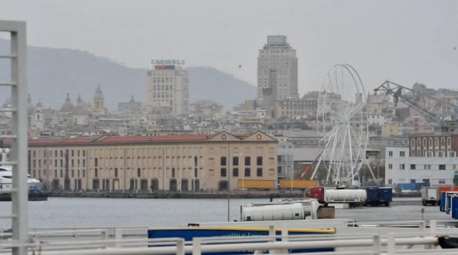 Arriva ai Magazzini Del Cotone la ruota panoramica nuova attrazione turistica