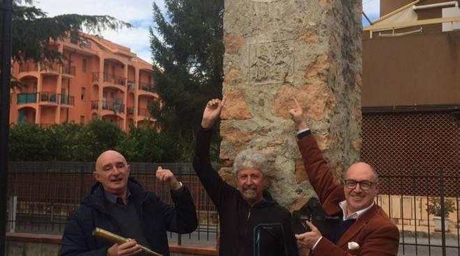 Pietra, gruppo di amici amanti del bello pronti a restaurare la meridiana