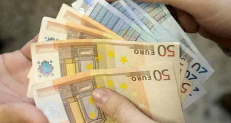 Soldi euro contanti