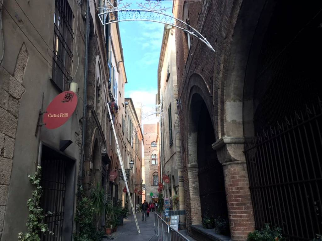 Caduta calcinacci Palazzo Vecchio Albenga