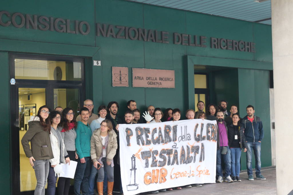 Flash mob precari CNR Genova pro Legge Madia