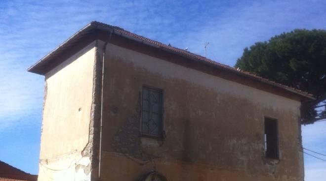 Messa in sicurezza del tetto dell 39 ex casa comunale di for Casa comunale