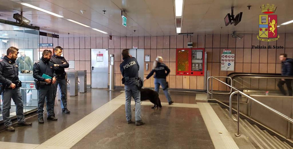 controlli metropolitana polizia