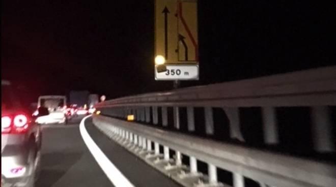 Coda Lavori autostrada notte