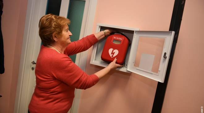 defibrillatore centro anziani alassio
