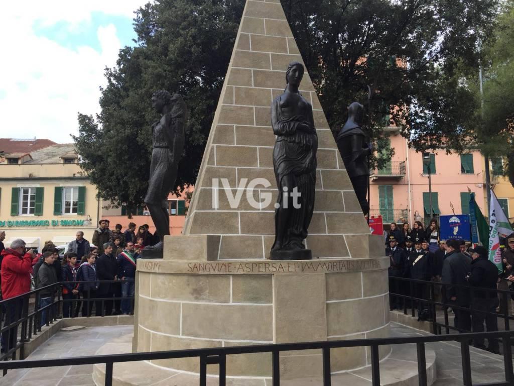 L'inaugurazione del monumento ai caduti di Vado