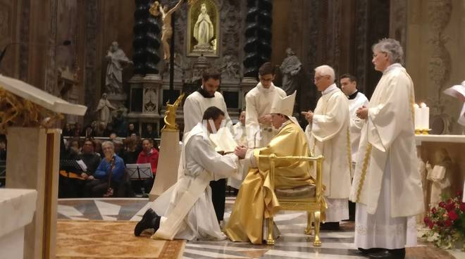 Ordinazione don Luis Becerra