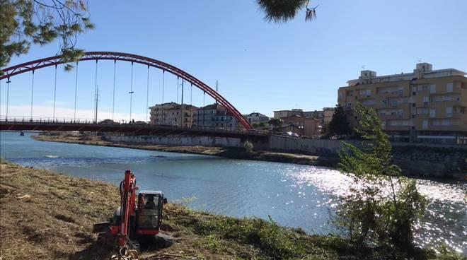 Pulizia fiume Centa ditta Cospef Genova