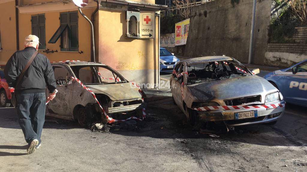 sparatoria a San Quirico e auto bruciate
