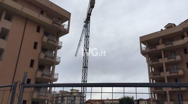 Gru Via Carloforte Albenga
