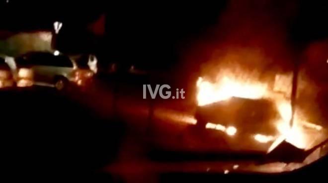Auto a fuoco a Garlenda