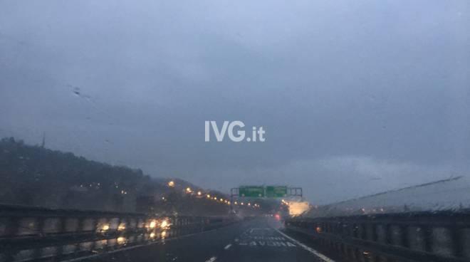 autostrada a10 pioggia