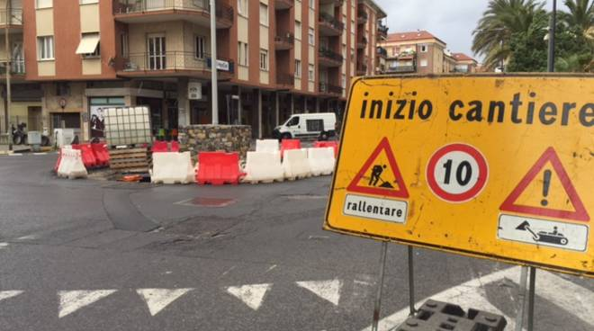Nuova rotonda piazza XX Settembre Albenga