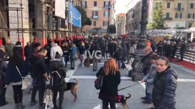 Ordinanza cani a Savona, la protesta in piazza Sisto