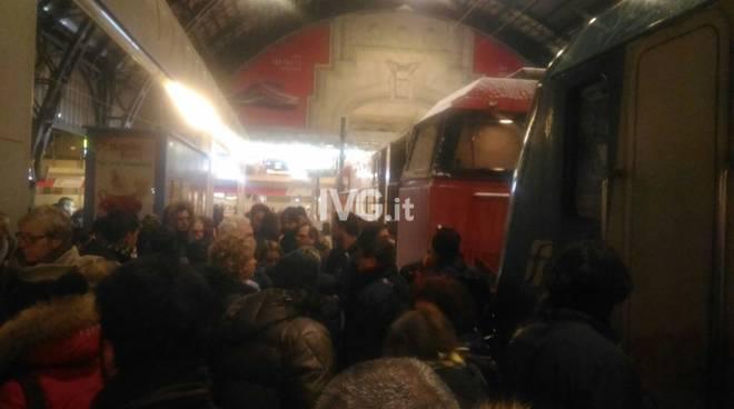 treno bloccato milano