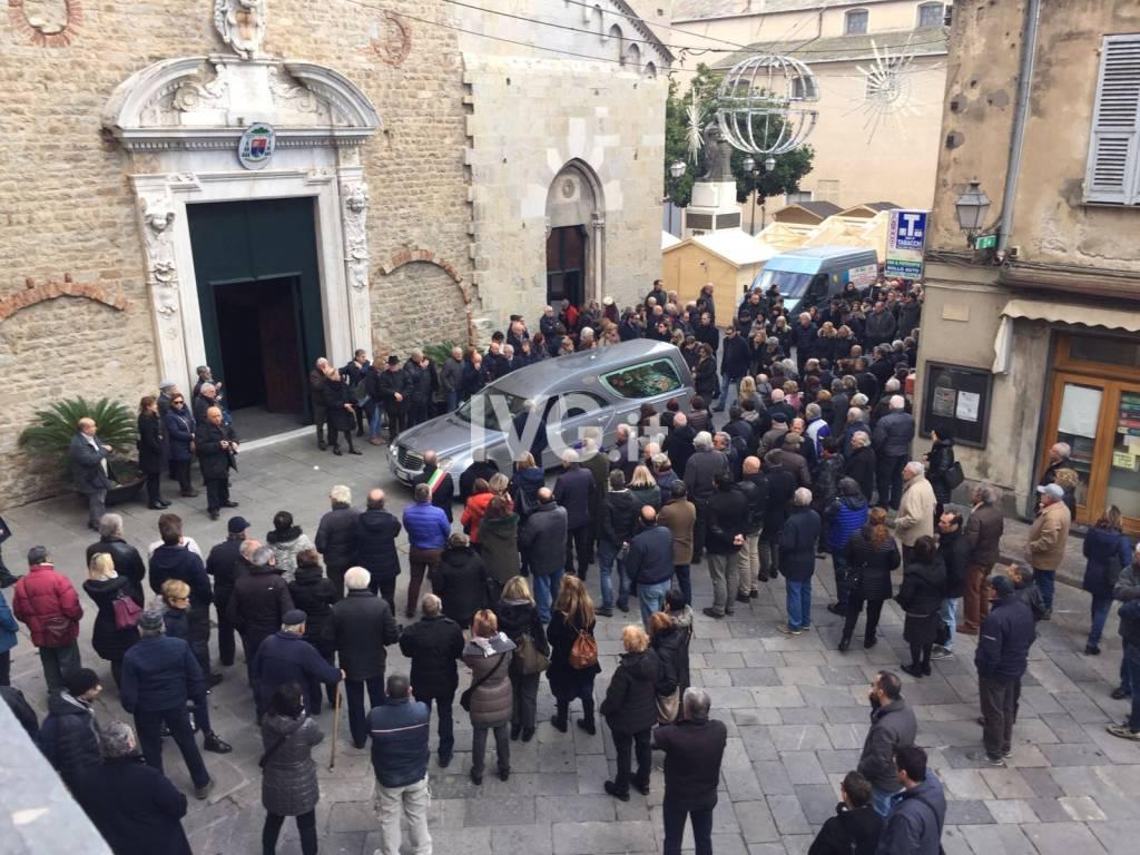 Albenga, i funerali di Giuseppe Pelosi
