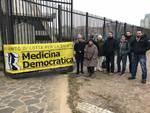 Alcev e Medicina Democratica in presidio davanti al tribunale