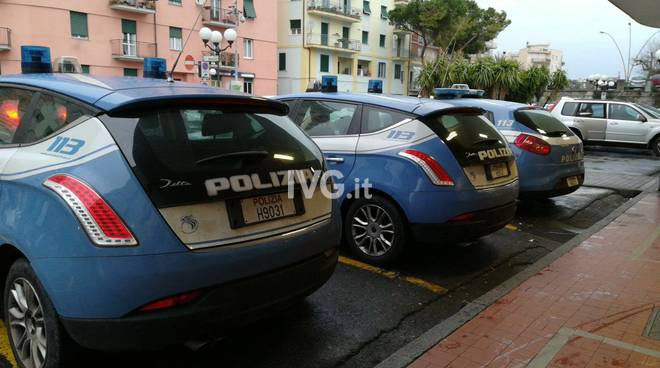 Controlli della Polizia di Stato alla stazione di Albenga