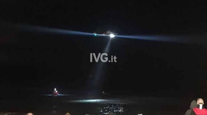 Donna dispersa in mare tra Albenga e Alassio, ricerche in corso