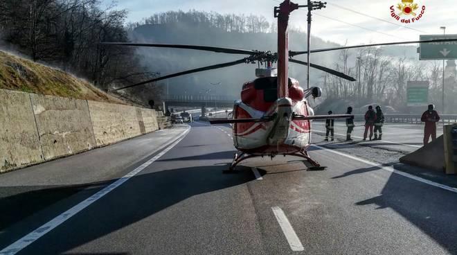 elicottero vigili del fuoco vvff autostrada6